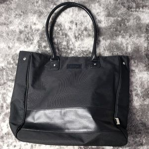 Calvin Klein Large Tote Vacation Carry-on